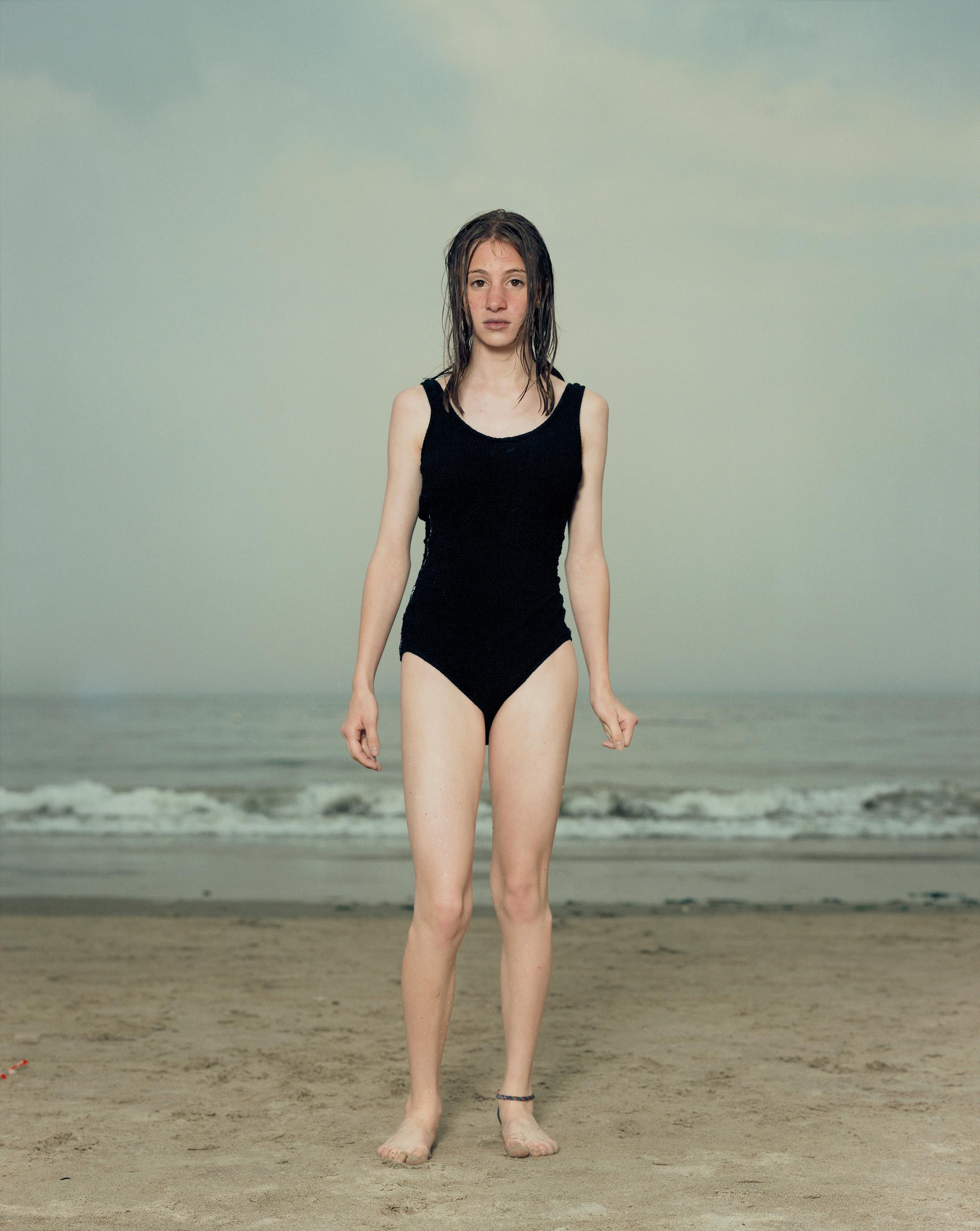 Meisje aan strand